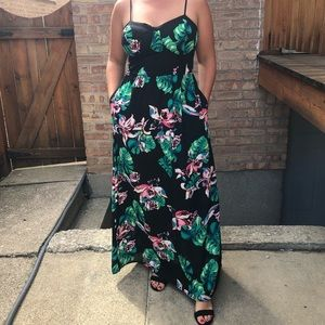Floral Maxi size Large from Xhilaration
